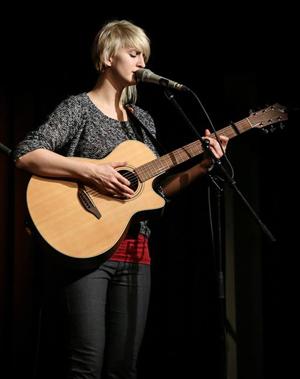 Bianca Ortner Sängerin und Gitarristin