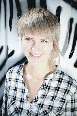 Bianca Ortner Gesang und Gitarre