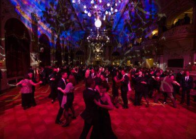 Tanzmusik mit Voices And Music im Palais Linz, Tänzer