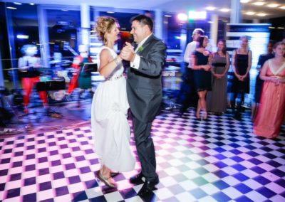 Hochzeitsband in OÖ eroeffnungstanz Brauttanz Brautpaar hochzeit