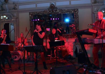 band_fuer_silvester__voices_and_music__silvester_musik__silvester_gala__hotel__silvester_party__livemusik__dinnermusik__partymusik__band_buchen__dj_musik_52c0b7d05665c