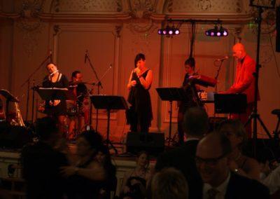 coverband__livemusik__liveband__tanzen__saxofon__saengerin__saenger__partyband__band__standard_taenze__ball_529d0a69ddde7