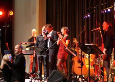 firmenfeier_weihnachtsfeier_partymusik_sngerin_voices_and_music_saxofon_www.facebook.comvoicesandmusic_52c0b7d6114cd