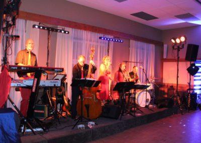 Tanzstimmung, volle Tanzfläche, Band für Hochzeit