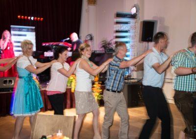 Partymusik Voices And Music, Polonaise, Spaß, Tänzer, Tänzerinnen, Musiker, Sängerin, KRONE Traumhochzeit, Stimmungsmusik, Partyband, Österreich, Oberösterreich, Salzkammergut,