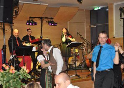 maturaball_rosenball_gala_silvester_stimmungsmusik_taenzer_saxofon_5315132d8e5c4