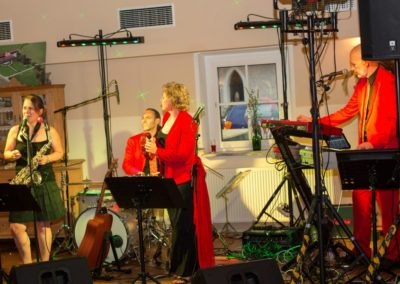partyband__hochzeitsmusik__saengerin__saxofon__tanzmusik__vocies_and_music_55ad1a4366ebf