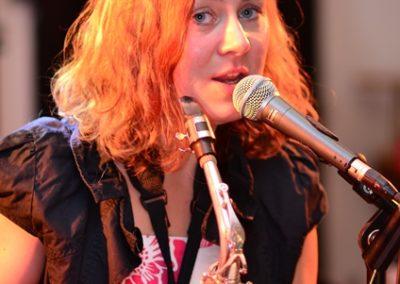Barbara Burghart Gesang Saxofon Gitarre