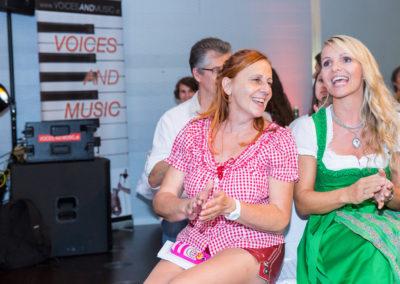 Firmenjubiläum Firmenfest VOEST Stahlwelt Linz Coverband Voices And Music