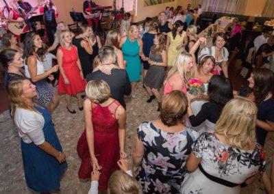 Hochzeitsparty mit Partyband Voices And Music, Mühlviertel, Steyr, Gmunden, Bayern, viele Tänzerinnen