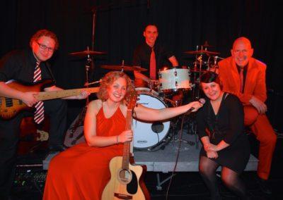 voices_and_music_im_quintett_galaband_livemusik_tnzer_54d879f309131