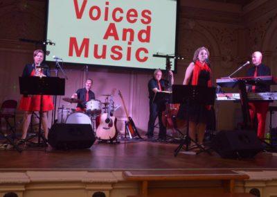 Tanzmusik in Linz, Ballstimmung mit Voices And Music