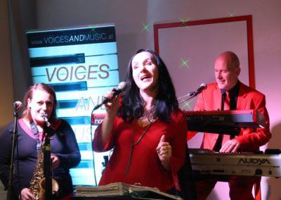 Hintergrundmusik Voices And Music Trio, Saxofon, Sängerin, Keyboard