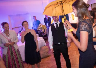 Hochzeitsmusik-Voices-And-Music-Tanzspiel