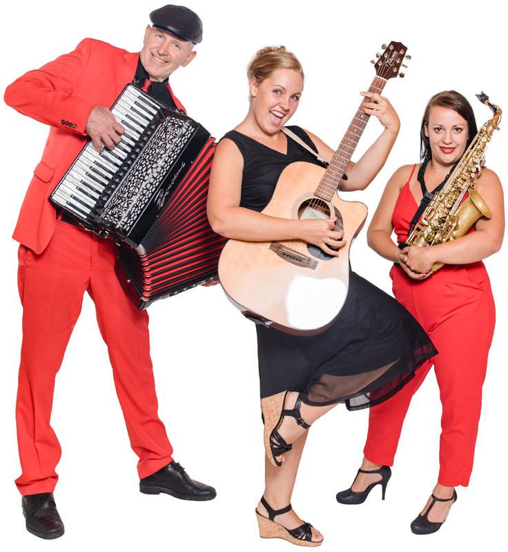trio, sängerin, Gitarrespielerin, Saxofon, akkordeon