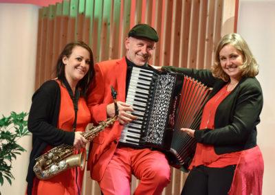 Saxofon Akkordeon Saengerin ORF Oberoersterreich