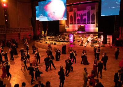 Taenzer, Ballsaal, musikband, tanzflaeche