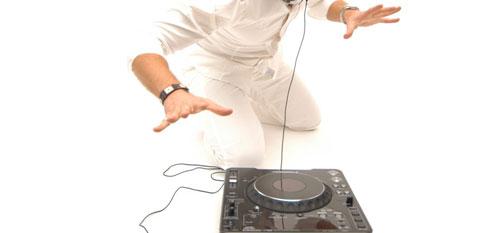 DJ Musik nach Liveband - Voices And Music