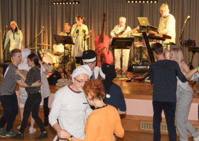Faschingsball mit Voices And Music