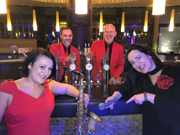 Silvesterfeier Silvester-Party-Gala Voices-And-Music aus Linz OÖ, partyband tanzband hintergrundmusik hochzeitsband