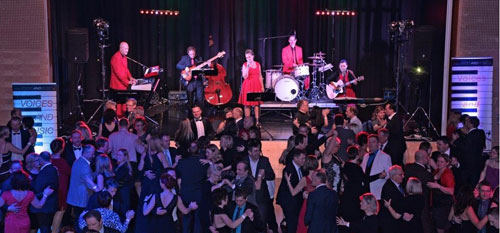 Tanzmusik für Ball, Tanzband für Hochzeit Maturaball Maskenball Tänzer Voices And Music