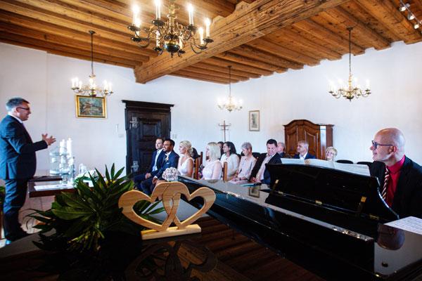 Musik kirchlichen freien standesamtlichen Trauung Hochzeitsmusik Voices And Music Klavier Sängerin