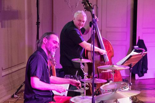 bass Schlagzeug hochzeitsband voices and music tanzband linz Palais Kaufmännischer Verein