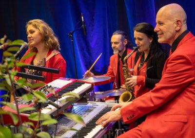 Hochzeitsband VoicesAndMusic mit großartiger Stimmung bei Firmenfeier in Wels OÖ, events, party