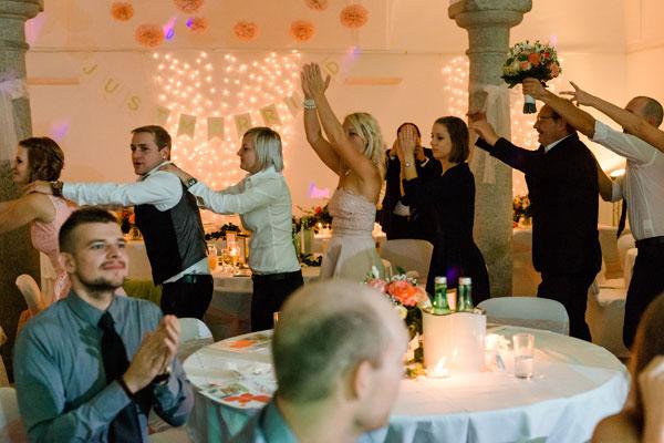 Hochzeitsmusik mit Sängerin, Hochzeitsband Tanzmusik Voices And Music, Partyband, Livemusik, Liveband, Weddingparty,  Tanzband, Linz OÖ Oberösterreich Saxofon , Band für Hochzeit , Musikband