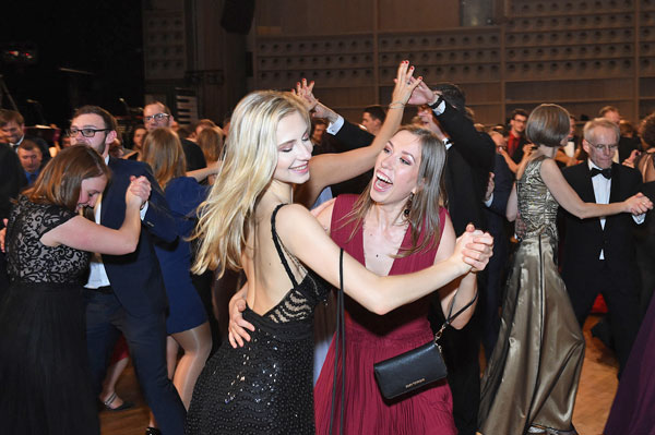 Silvester-Gala-Party-Galaband-Tanzband-Voices-And-Music