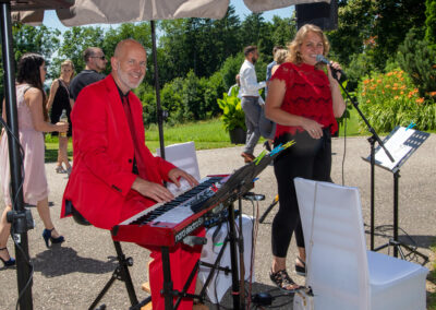 kirchliche Trauung mit Livemusik Sängerin und Klavierspieler Voices And Music
