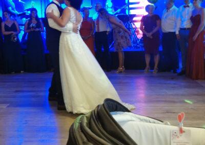 Brautwalzer, lustige Hochzeitsgaeste, Eroeffnungstanz, Walzer, Tanzband, Liveband, Brautpaar, Voices And Music